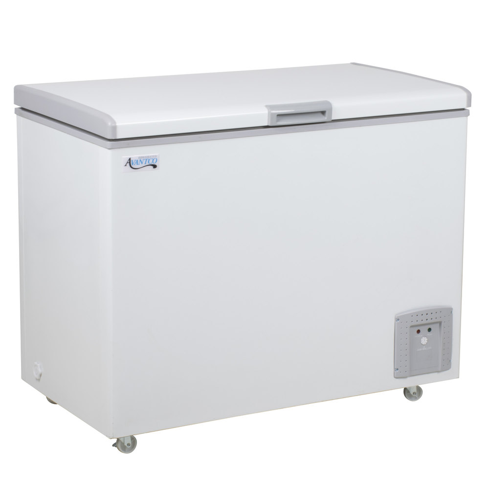 Avantco CF8 7.4 Cu. Ft. Commercial Chest Freezer