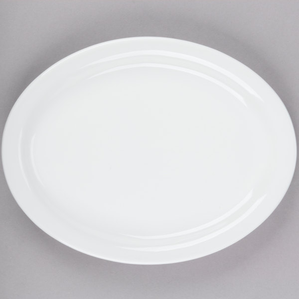 Tuxton CLH-114 Colorado 11 1/8 inch x 8 5/8 inch Bright White Narrow Rim Rolled Edge Oval China Platter - 12/Case