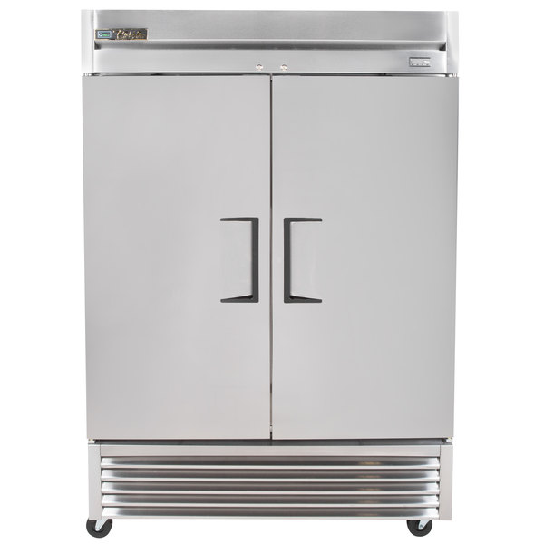 true t hc two section solid door reach in refrigerator boasting a large interior to house a wide variety of products this rugged reach in refrigerator is built to ensure years of dependable service in the most