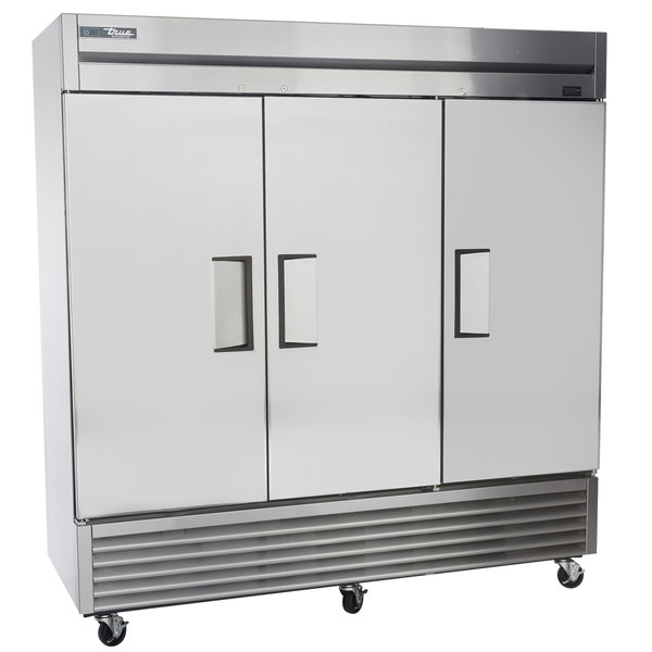 true t 72 3 door reach in refrigerator bottom mounted reach in boasting a 72 cu ft interior to house a large variety of products this rugged reach in refrigerator is built to provide years of dependable service in