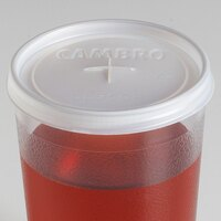 Cambro CL950P Disposable Lid with Straw Slot for 10 oz. Camwear Huntington and 9.8 oz. Camwear and Colorware Tumblers - 1000 / Case