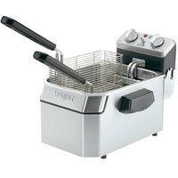 Waring WDF1000B 10 lb. Commercial Countertop Deep Fryer - 208V
