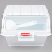 Rubbermaid 9G60 40 Cup ProSave Shelf Ingredient Bin with 1/2 Cup Measuring Scoop (FG9G6000WHT)