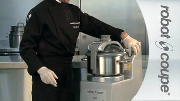 Robot Coupe R8 Vertical Food Processor with 8 Qt. Stainless Steel Bowl